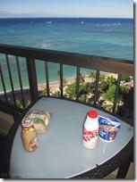 海を見ながらラナイで朝食