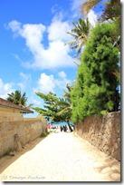 ビーチへ続く路地