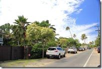 ラニカイの住宅街では、車をこんな風に駐車しています