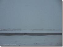 付近はまだ軽い吹雪です^_^;